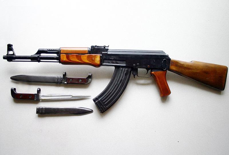 АК-47 - робот Калашникова величина 0,62-мм