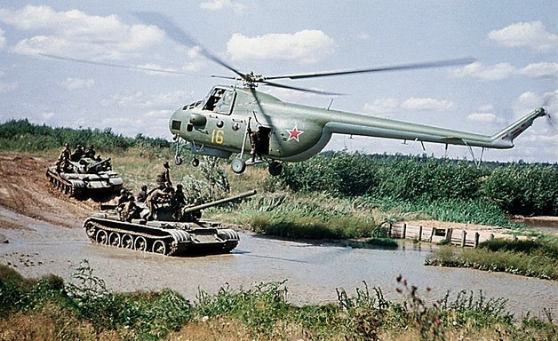 Ми-4 - универсальный вертолет