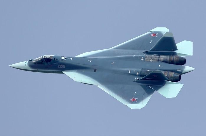 Су-57 (ПАК ФА Т-50) - летчик пятого поколения